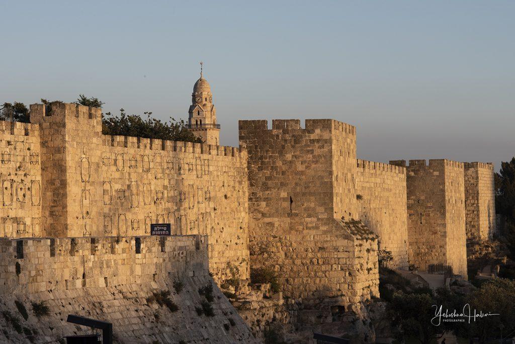 Golden glow of the Old City of Jerusalem as seen on a Jerusalem photography tour
